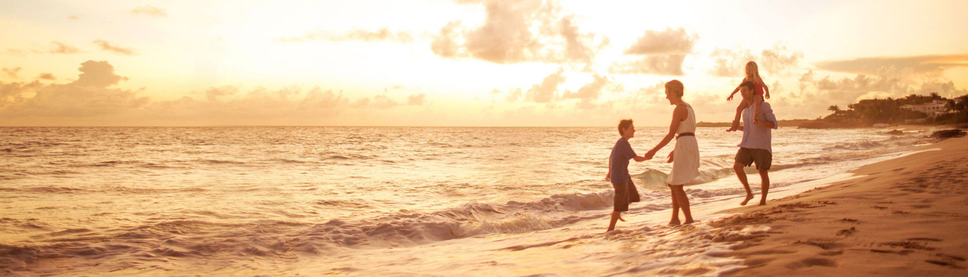 Industria-Seguros: Familia en la playa